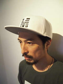 M /snap back cap (MADE IN WORLD×M) (white)