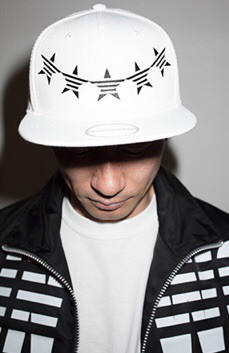 down arch star cap white