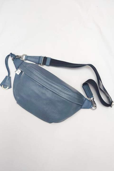 ボディバッグ  Antique Leather  Pale Blue【aniary】