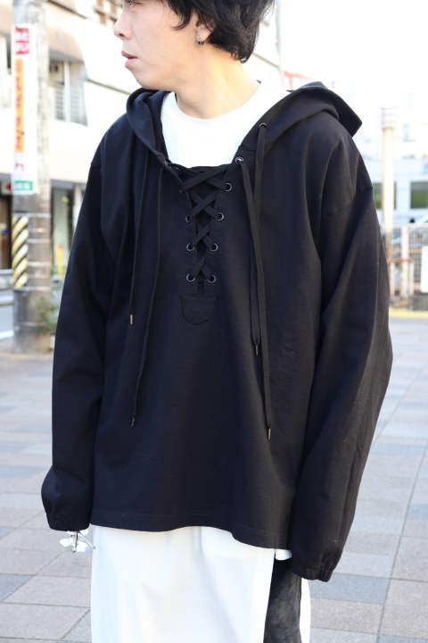 LACE UP HOODIE/BLACK【Iroquois】